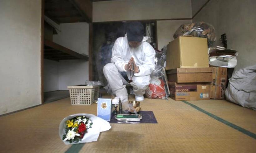专门清理腐烂尸体的「死亡清扫人」:38 岁日本茧居族之死,带你看清